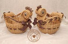 Newspaper Crafts, Wicker, Basket, Christmas Ornaments, Diy, Fun Stuff, Macrame, Knots, Gardening