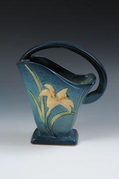 roseville pottery -my favorite pottery!