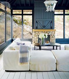 Cottage style: Muskoka room {PHOTO: Michael Graydon}