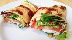 Pfannkuchen mit Salat und selbstgemachtem Dressing. Ideal für den Hunger für Zwischendurch und spontane Essattacken.