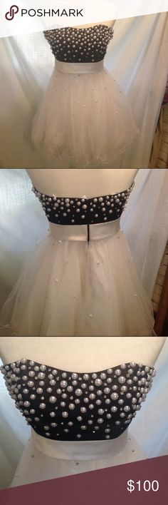 Sherri Hill strapless prom dress Worn one time. In great condition but small stain on the back waist band. Sherri Hill Dresses Prom
