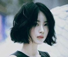 Korean Haircuts For Women - shapely Korean Haircut Korean hairstyles extremely cute and wonderful. Girl Short Hair, Short Hair Cuts, Korean Short Hair Bob, Korean Short Hairstyle, Korean Bob, Ulzzang Hairstyle, Korean Girl, Korean Women, Asian Short Hairstyles
