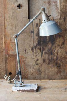 MIDGARD INDUSTRIAL TABLE LAMP