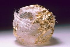 Kiyomi Iwata - Small works in silk and metal - Sphere 1
