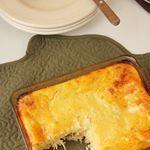 """La #receta de pastel de choclo 🌽 y pollo está publicada en el blog. Es súper fácil de hacer y muy, ¡MUY rico! . . Para el desayuno, las """"onces""""...a cualquier hora del día 🍴 . #love #comida #unacolombianaencalifornia . . . #instafood #comidarica #corn #maiz #pastel #recetasfaciles #comidalatina #colombianfood #comidacolombiana #instagood Comida Latina, Cornbread, Love, Ethnic Recipes, Chicken, Breakfast, Pastries, Colombian Food, Easy Recipes"""