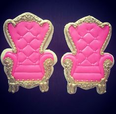 Pink tufted chair cookies.