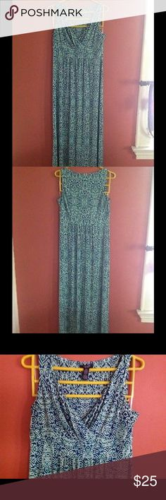 CHAPS MAXI DRESS SIZE L Blue , green white color.pull over stress free beautiful maxi dress. Pit to pit 19. Dresses Maxi