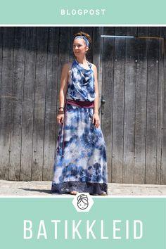 Hier kommt mein absoluter Lieblingsstoff dieser Kollektion!  Hab ich schonmal erwähnt, daß ich Batik liebe? ;)   Aus diesem Viskosetraum musste etwas ganz besonderes genäht werden!   #katjuschka #blogpost #viskose #batik #sommerkleid #designerin #designen #diy #nähen #nähinspiration #maxikleid #boho #hippie #batikkleid #maxidress
