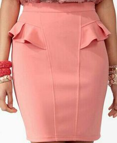 Paneled peplum skirt/another option of peplum skirts (SG) Latest African Fashion Dresses, Women's Fashion Dresses, Bridesmaid Skirts, Skirt Patterns Sewing, Types Of Fashion Styles, Classy Dress, Peplum Skirts, Shabby Chic Dress, Chic Clothing