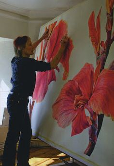 Rosie Sanders. Rosie is currently running courses in Devon, the first of which took place a couple of weeks ago to great success. She is running another three this summer: one each in July, August and September. The first two concentrate solely on botanical painting, while the August course includes the option of creating an artist's book as well.