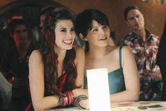 Ginnifer Goodwin, Meghan Ory in Once Upon a Time