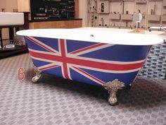 Union Jack Claw bathtub