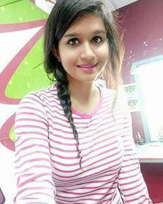 Beautiful Girl Indian, Beautiful Girl Image, Tamil Girls, Girls Selfies, Cute Girl Photo, Beauty Full Girl, India Beauty, Cute Woman, Girls Image