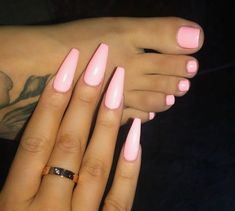 Nail art is a very popular trend these days and every woman you meet seems to have beautiful nails. It used to be that women would just go get a manicure or pedicure to get their nails trimmed and shaped with just a few coats of plain nail polish. Perfect Nails, Gorgeous Nails, Love Nails, Pretty Nails, My Nails, Sunflower Nails, Pink Acrylic Nails, Pink Toe Nails, Violet Nails