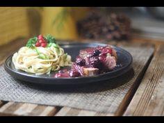 Magret de Canard aux fruits rouges Acai Bowl, Spaghetti, Breakfast, Ethnic Recipes, Food, Bon Appetit, Diabetic Recipes, Tagliatelle, Red Berries