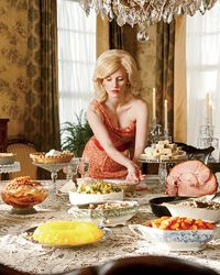 Recipes from The Help: Crispy fried chicken, silky collard greens, delicate tea sandwiches: Southern food never looked more delicious than it does in The Help.--My idea of a perfect Sunday Dinner Jessica Chastain, Southern Comfort, Southern Belle, Southern Charm, Celia Foote, Crispy Fried Chicken, Stress Eating, Tea Sandwiches, Chocolate Pies