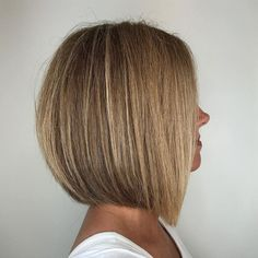Straight Rounded Dark Blonde Bob Bobhairstyles In 2019 Bob Hairstyles For Fine Hair, Medium Bob Hairstyles, Hairstyles Haircuts, Blonde Bob Hairstyles, Pixie Haircuts, Trendy Hairstyles, Braided Hairstyles, Wedding Hairstyles, Cejas Kendall Jenner