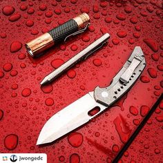 Waterproof - Rainy Day Carry http://amzn.to/2cFuPKe ======> @jwongedc:Rainy day #slicewritelight: @jaroszknives K-2A @tripleaughtdesign Fellhoelter TiBolt @lumintop_flashlight Copper Prince. #edc #everydaycarry #usntagram #everydaydump #edcgear #pocketdump #pocketvomit #usualsuspectsnetwork #knifecollector #knifecollection #knives #knifenut #knifeporn #pocketknife #knifecommunity #knifestagram #dailycarry #flashlights #flashlightporn #flashoholic #multitool #bestknivesofig #dailybadass…
