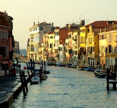 photo by Janys Hyde, Golden hour Cannaregio