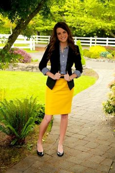 This would probably work better for a yellow and black school colors outfit. I have black cardis and blazers. Need a yellow skirt and a b&w striped blouse. Spring Work Outfits, Casual Work Outfits, Blazer Outfits, Professional Outfits, Work Attire, Fall Outfits, Fashion Outfits, Office Attire, Casual Office