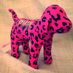New no tags Victoria secrets pink collector dog black and pink cheetah print .....very cute