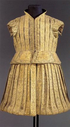 Made for Elector Johann Georg 1 of Saxony in 1615. The original ensemble included two additional green & white/silver doublets, a pair of leather stockings, two pairs of silk stockings, a pair of leather gloves and a leather sword belt.