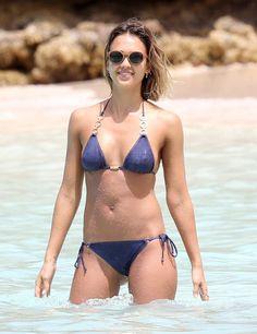A Homage to Jessica Alba's Superhot Bikini Body