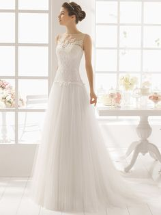 Brautkleider von Europas Top-Marken wie Pronovias, Cymbeline, Enzoani, Novia d'Art und vielen mehr in Deutschlands größter Brautkleider-Bildergalerie.