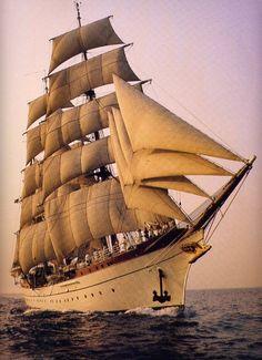 Gorch Fock Tall Ship ...  =====>Information=====> https://de.pinterest.com/jaimeariansen/mm03-historia-barcos/