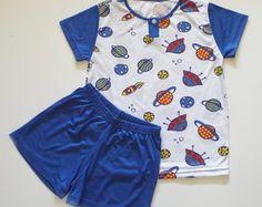 Pijama masculino infantil Little Boy Outfits, Toddler Outfits, Baby Boy Outfits, Kids Outfits, Cute Outfits, Fashion 101, Boy Fashion, Fashion Outfits, Baby Boy Clothing Sets