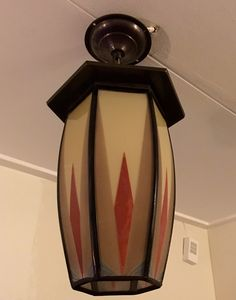 Dutch Amsterdamse school lamp executed by De Nieuwe Honsel circa 1925.