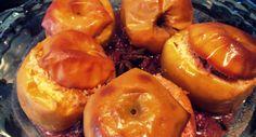 MELE AL FORNO CON COCCO E LAMPONI Ed ecco che curiosando qua e la ho preso spunto da un libro di mia madre per preparare le mie mele al forno con cocco e lamponi. http://blog.giallozafferano.it/cookingtime/mele-al-forno-con-cocco-e-lamponi/