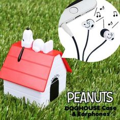 Peanuts Snoopy Stereo Earphone with Dog House Shaped Case