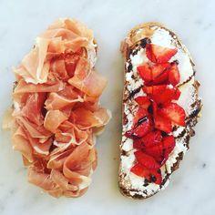 È lunedì!! Immancabile l'appuntamento con il nostro panino della settimana con prosciutto crudo di Parma, ricotta fresca, fragole e glassa di aceto balsamico.  #paninidurini #pranzo #prosciuttocrudo #ricotta #fragole #acetobalsamico #instagood #food #foodlovers #foodpic #foodgram #foodie #foodporn #instafood #yummi #yum #igersmilano #milan #lunch #delicious #awesome #foodstyling #comment #picoftheday #tagsforlikes #colorful #instadaily #love #bestoftheday #followforfollow