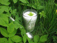 Schaumiger Wildkräuter-Cappuccino - foamy soup made of fresh wild herbs - http://barbaras-spielwiese.blogspot.com