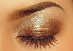 Great sparkly neutral eyeshadow