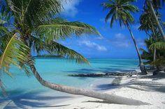 Google Image Result for http://thebesttraveldestinations.com/wp-content/uploads/2010/02/Bora-Bora-Island8.jpg