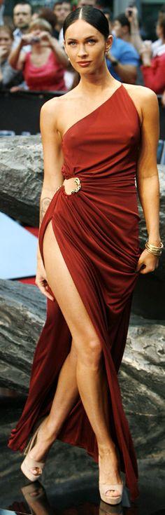 Omg! HOT red dress!!