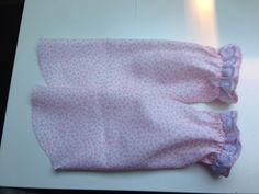 Cosas de Butterflies: Tutorial DIY vestidos Niña Belleza Diy, Diy Tutorial, Coruna, Cami, Doll Clothes, Quilts, Dolls, Sewing, Pattern