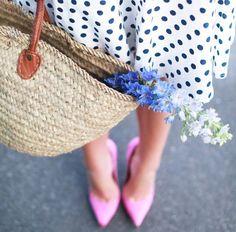polka dots dress and pink pumps