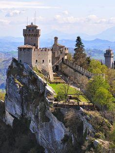 Castle of San Marino, Repubblica di San Marino https://vacacionesreales.com