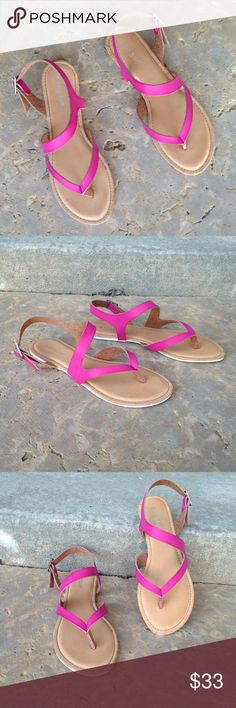NWT New Maroon Pink Strap Sandals Size 8 So chic! Side Strap. Boutique Shoes Sandals