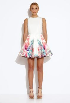 White Sleeveless Print V Back Flare Dress - Sheinside.com Mobile Site