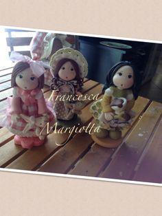 Trio .di bamboline realizzate a mano