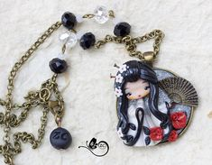 necklace with little doll. cammeo measures 1.77 in. chain 27.58 in and its adjustable. totally handmade and love =) ***su ordinazione. controlla i tempi di spedizione! made to order. please check shipping time! ***