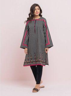 Simple Shirt Design, Shirt Design For Girls, Simple Shirts, Stylish Dresses For Girls, Stylish Dress Designs, Simple Dresses, Casual Dresses, Blouse Back Neck Designs, Kurti Neck Designs