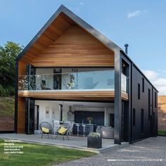 15 Modern Real Estate That Will Amaze Your Eyes - Archi-Moze Modern Barn House, Modern House Design, Casas Containers, Weekend House, Shed Homes, Dream House Exterior, Modern Architecture, Future House, Building A House