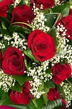 Dillo con una rosa... #bouquet #rose #rosse