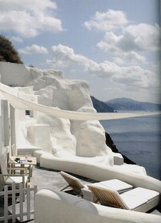 Amazing caldera views from Mystique hotel, Santorini Resorts, Places To Travel, Places To Go, Travel Things, Travel Destinations, Terrasse Design, Shabby Chic, Beautiful Hotels, Interior Exterior