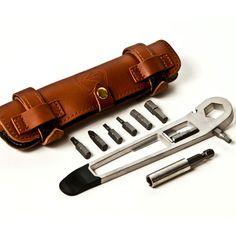 Nutter 自転車の修理に必要な工具をすべて備えたマルチツール by Full Windsor